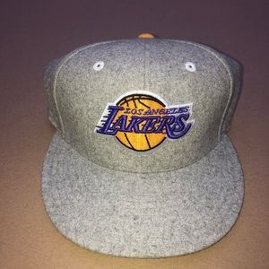 Los Angeles Lakers Hat 7 1/8 Fitted